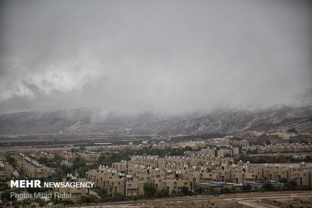 ورود سامانه بارشی به کشور از جمعه، کاهش دما در 16 مرکز استان